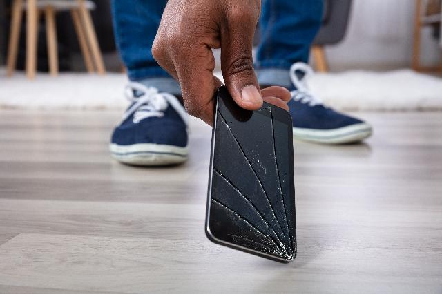 Assurant launches digital mobile phone insurance for Monzo Premium accounts