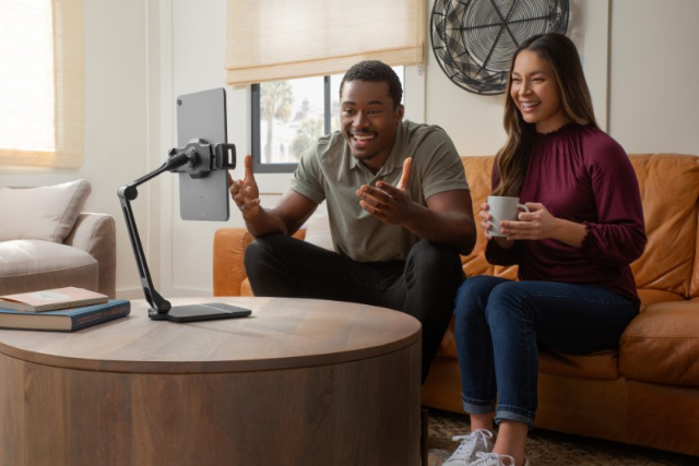 Twelve South introduces HoverBar Duo for Apple devices