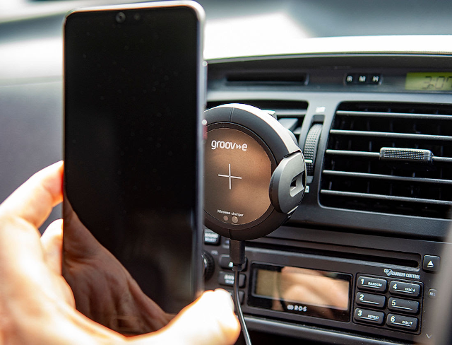 Review: Groov-e 10W Wireless Car Mount In-Car Phone Holder